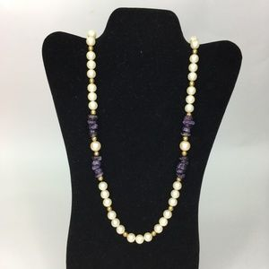 """Jewelry - Vtg Faux Pearl Purple Stone Necklace 36"""""""